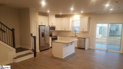 Condo/Townhouse For Sale: 208 Clearwood