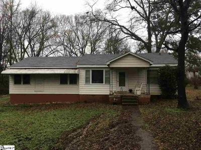 Laurens Single Family Home For Sale: 300 Clary