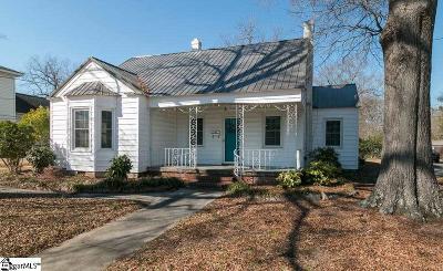 Clinton Single Family Home For Sale: 305 N Adair