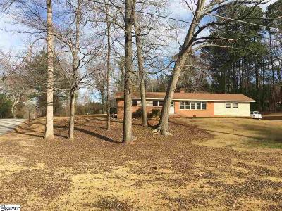 Greenwood SC Single Family Home For Sale: $132,000