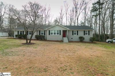 Laurens Single Family Home For Sale: 501 Woodland
