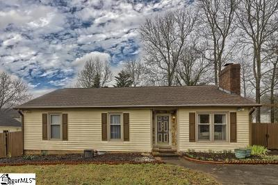Greenville Single Family Home For Sale: 205 Timber