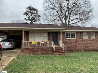 Greenville Single Family Home For Sale: 223 Lily