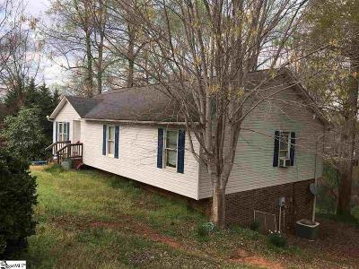 Easley Single Family Home For Sale: 104 Chesterfield