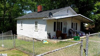 Easley Single Family Home For Sale: 104 Martin