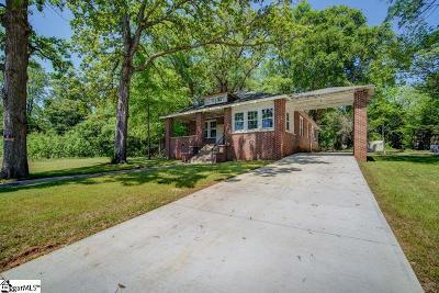 Laurens Single Family Home For Sale: 597 E Main