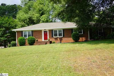 Single Family Home For Sale: 111 Cherry