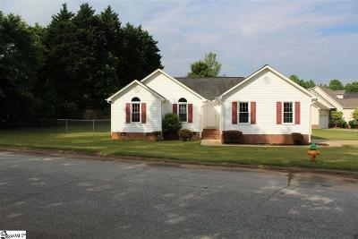 Greenville Single Family Home For Sale: 109 Gatehouse