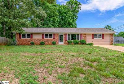 Greenville Single Family Home For Sale: 107 Notchwood