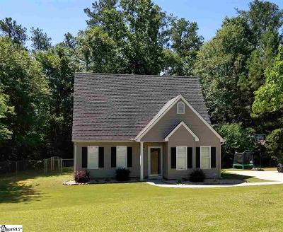 Easley Single Family Home For Sale: 154 Pine Lake