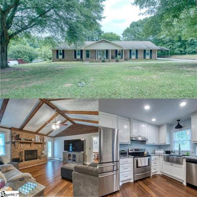 Easley Single Family Home For Sale: 300 Timbrooke