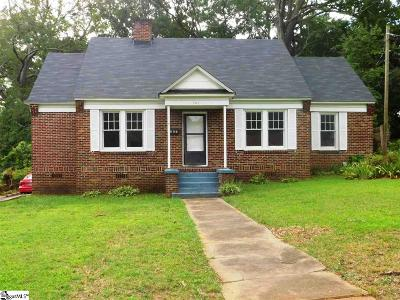 Laurens Single Family Home For Sale: 207 Irby