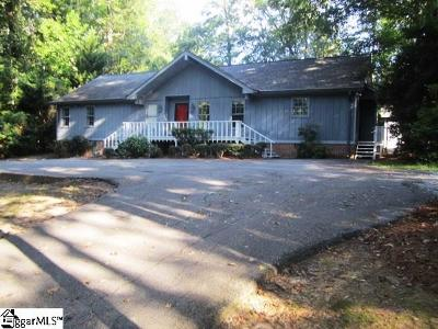 Clinton Single Family Home For Sale: 204 Derby