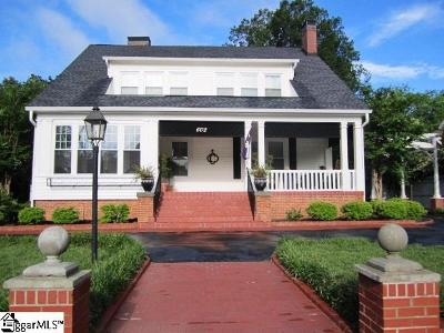 Clinton Single Family Home For Sale: 602 S Broad