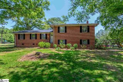 Laurens Single Family Home For Sale: 101 Sherwood Forest