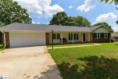 Mauldin Single Family Home For Sale: 215 Edgewood
