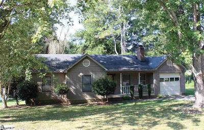 Easley SC Single Family Home For Sale: $154,900