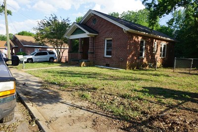 Greenwood County Single Family Home For Sale: 308 Sirrine Street