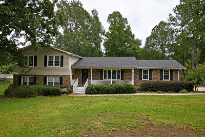 Greenwood County Single Family Home For Sale: 108 Chatham Dr