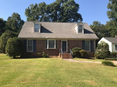 Greenwood County Single Family Home For Sale: 223 Forest Ln.