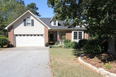 Greenwood County Single Family Home For Sale: 325 Green Oaks
