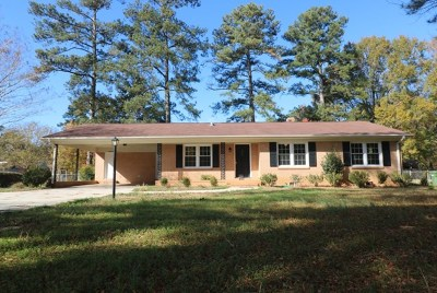 Greenwood Single Family Home For Sale: 506 Chinquapin Rd