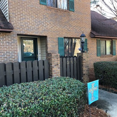 Greenwood Condo/Townhouse For Sale: 205 Abbey Ln