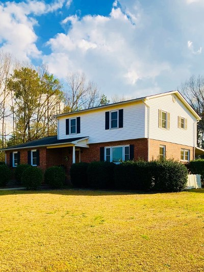 Greenwood County Single Family Home For Sale: 105 Roman Circle