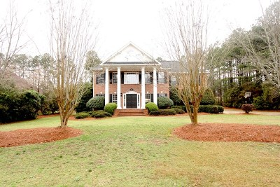Greenwood County Single Family Home For Sale: 717 Fairway Lakes