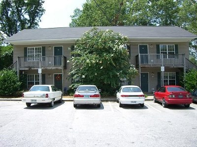 Greenwood Multi Family Home For Sale: 118 Hazelwood Ct.
