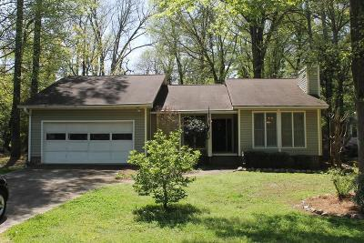 Greenwood Single Family Home For Sale: 102 Curl Dr