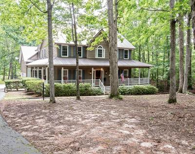 Greenwood Single Family Home For Sale: 104 Creekside Court