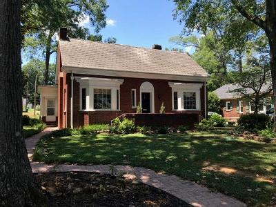 Greenwood Single Family Home For Sale: 407 Jennings