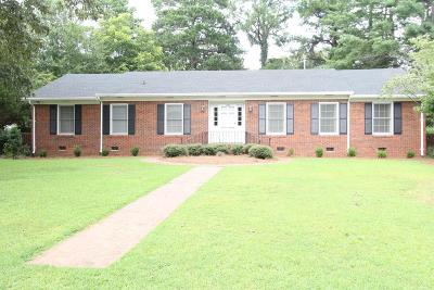 Greenwood Single Family Home For Sale: 105 Greenbriar Rd