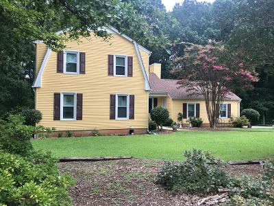 Greenwood County Single Family Home For Sale: 227 Chatham Dr