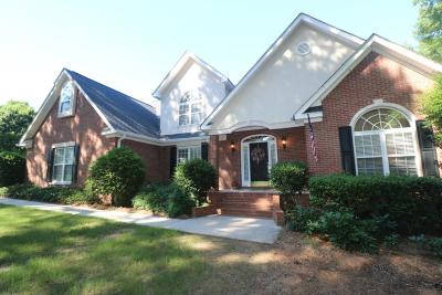 Greenwood Single Family Home For Sale: 407 Oakmonte Circle