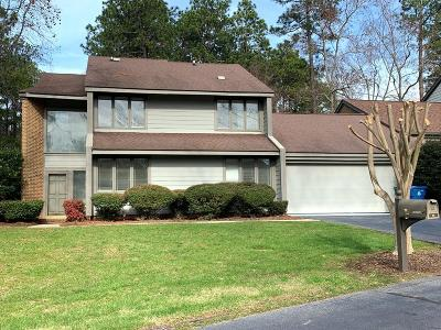 Greenwood Condo/Townhouse For Sale: 101 Deer Run Ln