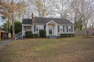 Greenwood Single Family Home For Sale: 202 Sproles Avenue E