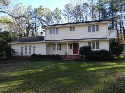 Greenwood Single Family Home For Sale: 105 Foxmeadow
