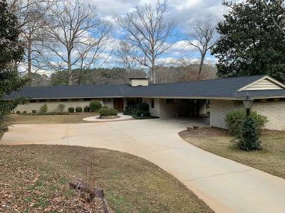 Greenwood County Single Family Home For Sale: 102 NW White Oak Lane