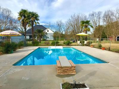 Greenwood Single Family Home For Sale: 132 Ebert