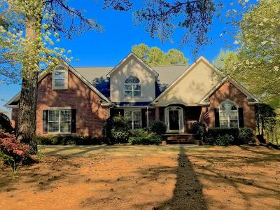 Greenwood Single Family Home For Sale: 407 Oakmonte Circle