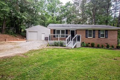 Greenwood Single Family Home For Sale: 105 Earl Ct