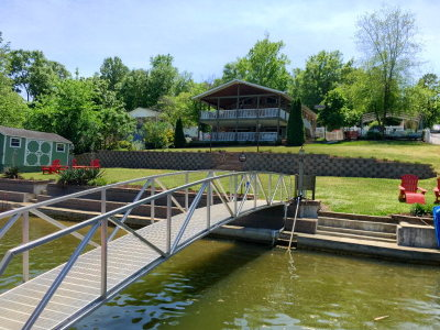 Greenwood County Single Family Home For Sale: 106 Mountain Shore