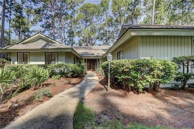 Beaufort County Single Family Home For Sale: 15 Towhee Road