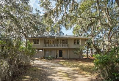Lady's Island Single Family Home For Sale: 10 Oyster Catcher Road