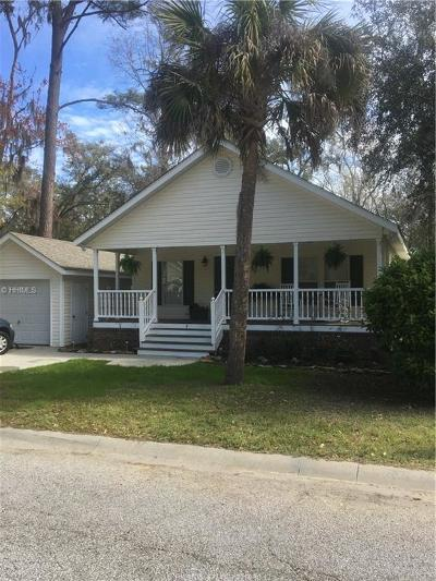 Single Family Home For Sale: 4 River Tree Cir