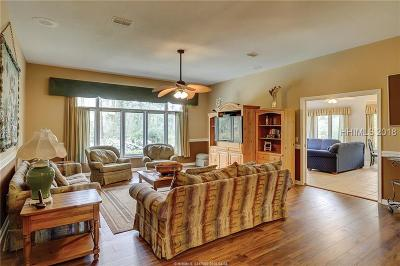 Beaufort County Single Family Home For Sale: 6 Topside