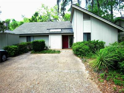 Beaufort County Single Family Home For Sale: 21 Water Oak Drive