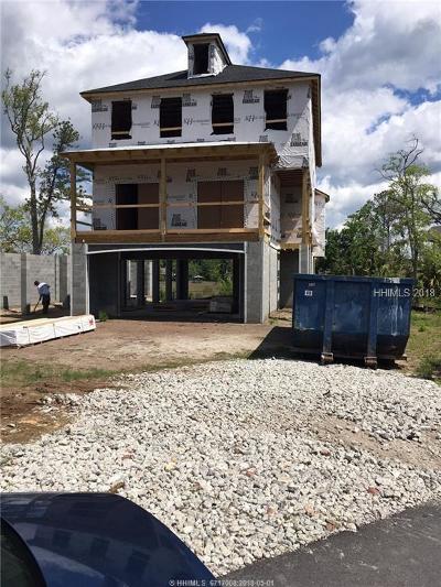 Beaufort County Single Family Home For Sale: 26 Hammock Oaks Circle